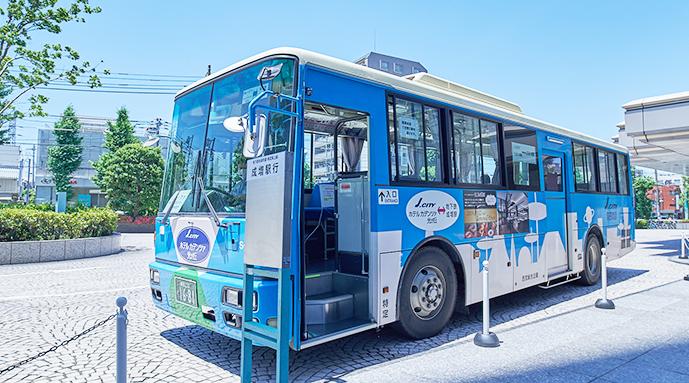 直通のシャトルバスで簡単アクセス